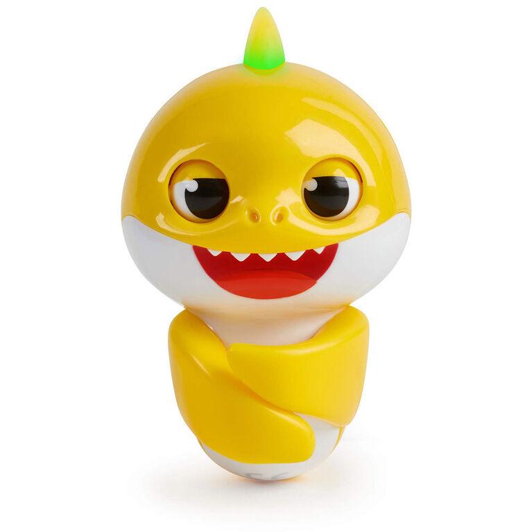 WowWee Pinkfong Baby Shark Fingerlings - Baby Shark - Pre-school Interactive Toy