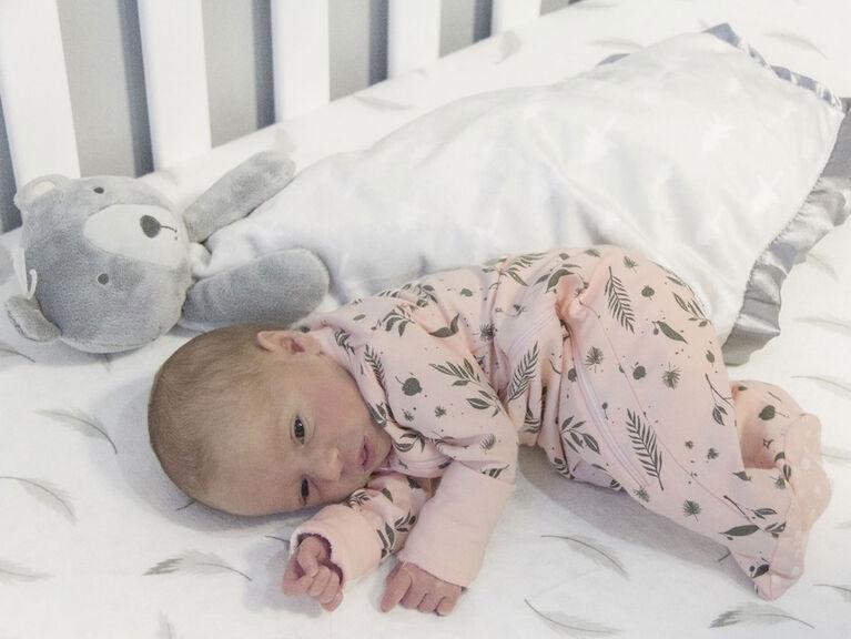 Kushies Crib Sheet Flannel Grey Feathers