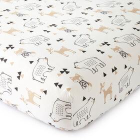 Levtex Baby - Drap-housse pour lit de bébé taupe et gris Bailey à thème de la forêt.