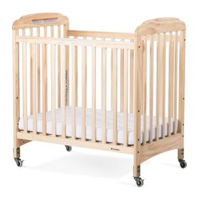 Lit de bébé SafetycraftMD de Foundations à côtés fixes en lattes, bois naturel.