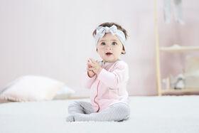 Lot de trois pièces biologiques pour retour à la maison pour nouveau-né fille – Petit Agneau 6-9 mois