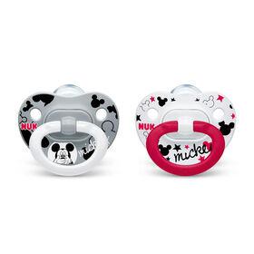 Suces orthodontiques NUK Disney Mickey Mouse et Minnie Mouse, 0 à 6 mois, paquet de 2.