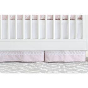Jupe de couchette de rêve Just Born - blanche et pétale de rose avec carreaux.