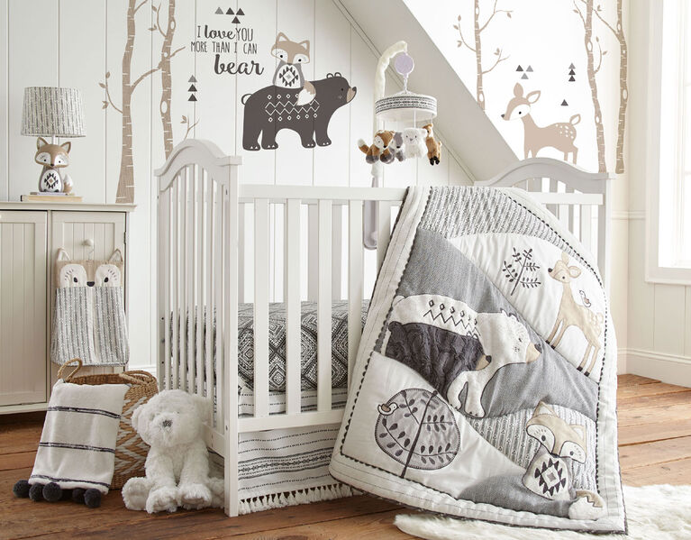Levtex Baby Bailey 4 Piece Crib Bedding Set - English Edition