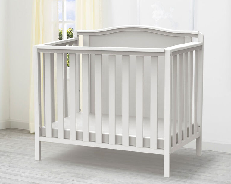 Delta Children Willow Mini Crib With Mattress And 2 Sheet