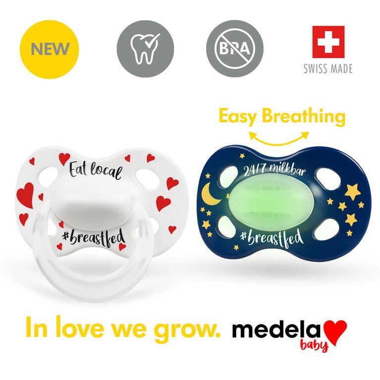 Nouvelle Sucette JOUR et NUIT Medela Baby, un ensemble 24 heures avec sucette Brille dans le noir, sans BPA, légère et orthodontique. 6-18 mo Unisexe