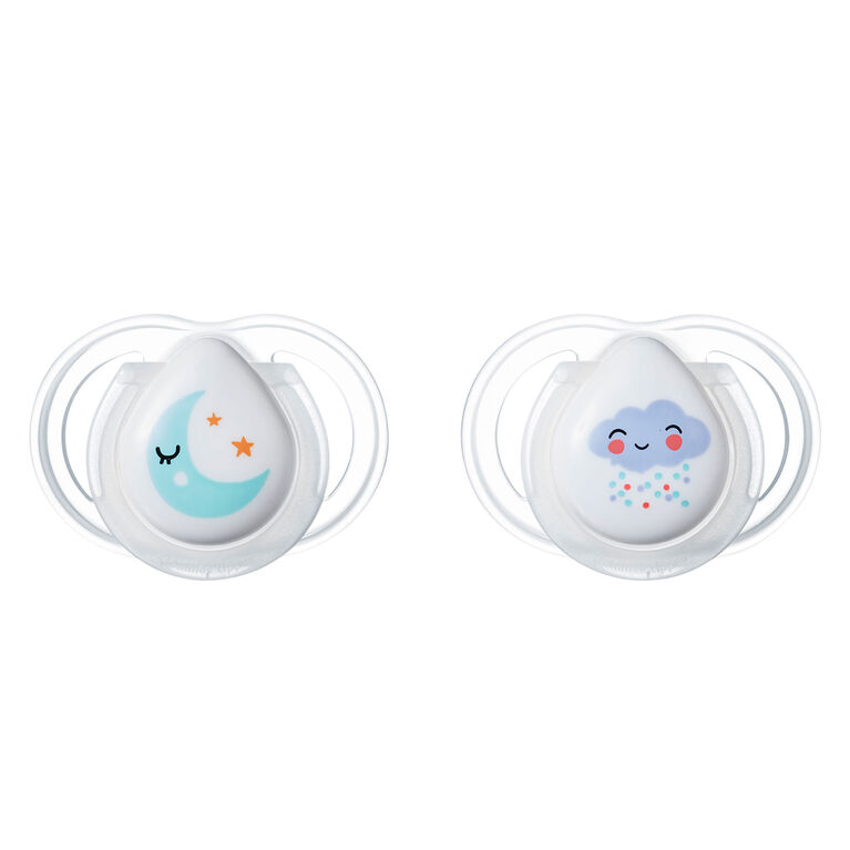 Tommee Tippee 0-2 month Newborn Night Time Pacifier 2-Pack - Raindrops