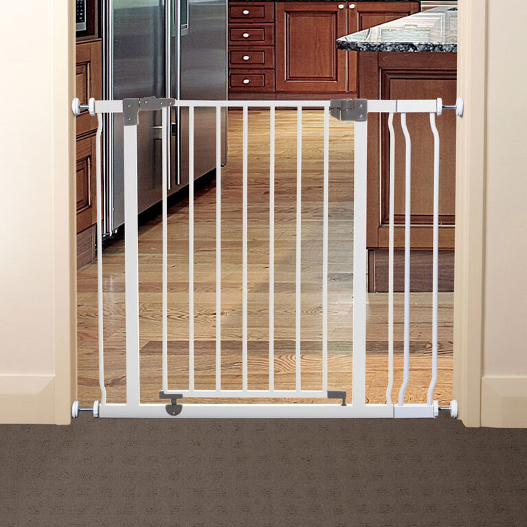 Dreambaby Liberty Security Gate with Smart Stay-Open Feature - White
