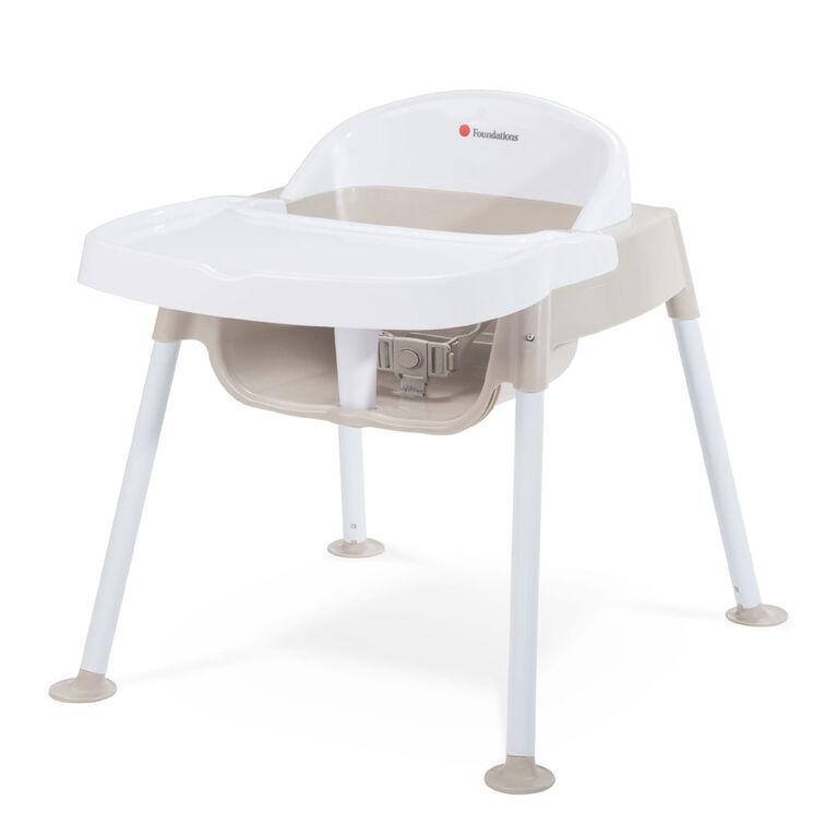 Chaise à plateau pour enfant Secure SitterMC de Foundations à hauteur de siège de 11