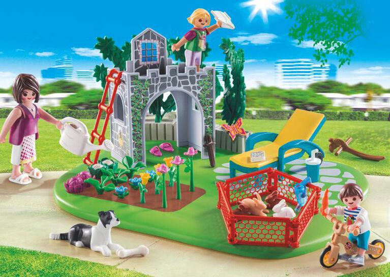 Playmobil Family Fun - Superset Family Garden 70010