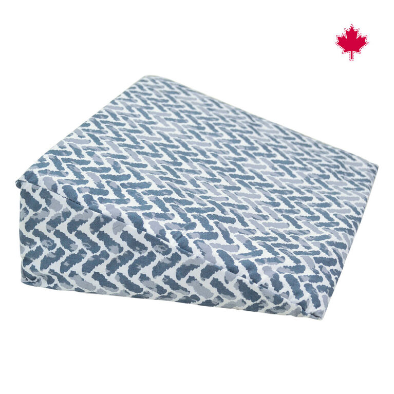Perlimpinpin Wedge Pillow- Chevrons Navy