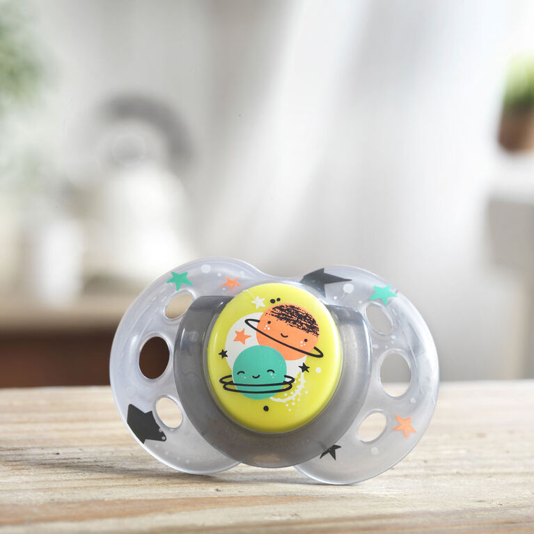 Tommee Tippee Closer to Nature 2-Pack 18-36m Night Time Pacifier - Green/Grey