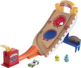 Hot Wheels Disney Pixar Toy Story Buzz Lightyear Carnival Rescue - English Edition