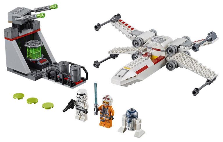 LEGO Star Wars La course-poursuite du chasseur X-Wing dans la tranchée 75235