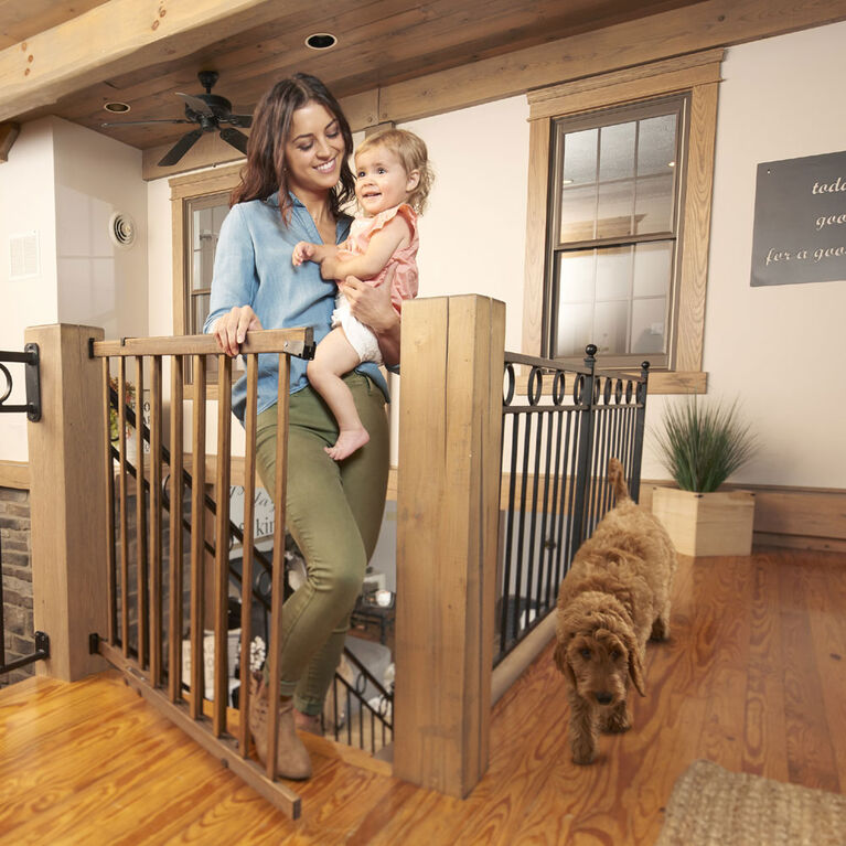 Evenflo Top Of Stairs Walk Thrugate- Farm House