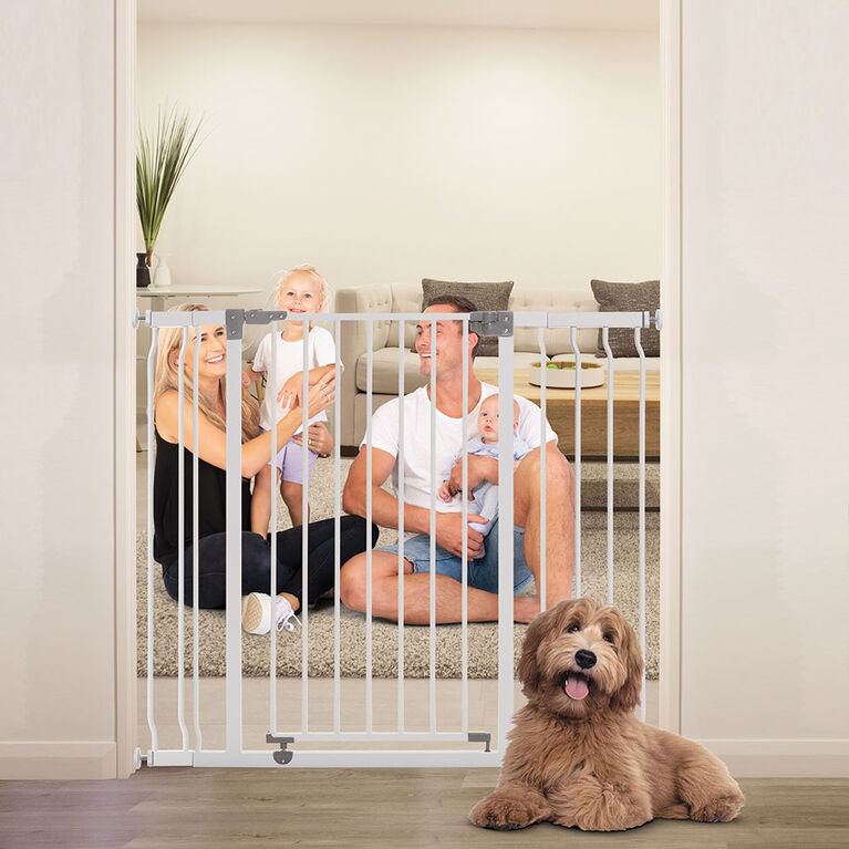 "Dreambaby Liberty Xtra-Tall & Xtra-Wide Security Gate (incl. 1-3.5"" & 1-7"" extensions) - White"