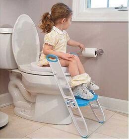 Siège rembourré pour apprendre la propreté Mommy's HelperMC Contoured Cushie Step-UpMC avec un escabeau.