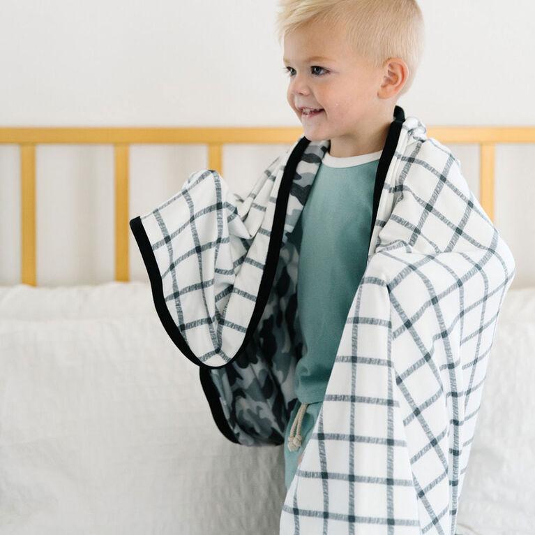 Gunnar Three-Layer Quilt