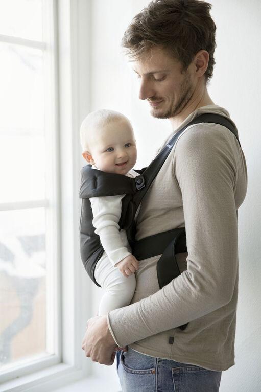 Porte-bébé Mini BABYBJÖRN - noir.