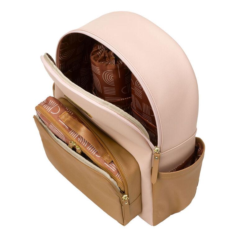 Petunia Pickle Bottom - District Backpack 5 Piece Set in Blush / Camel - Sac à langer en similicuir