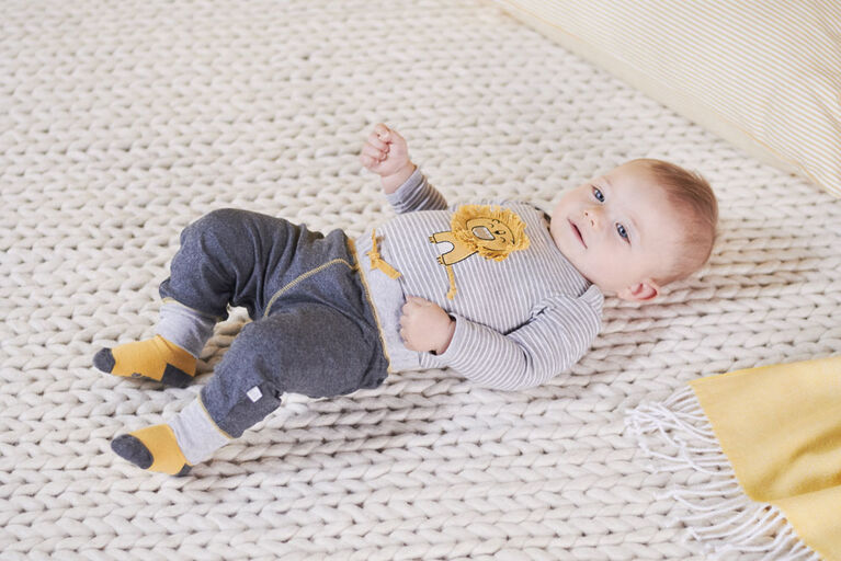 Just Born Baby Boys 2-Piece Organic Long Sleeve Onesies Bodysuit and Pant Set - Lil Lion 12 Months